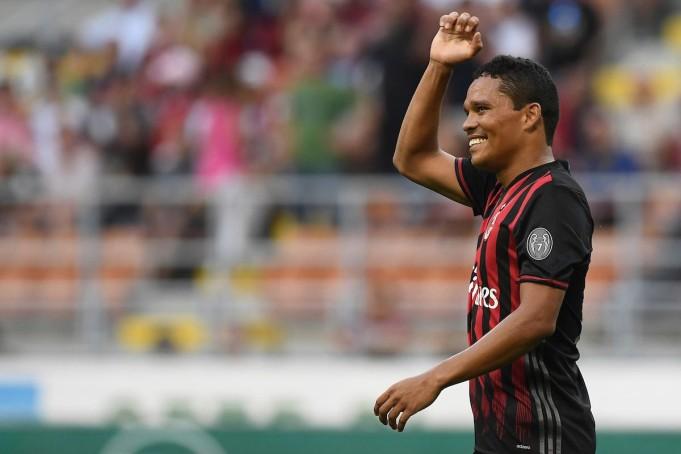 Stipendi calciatori Milan 2016-2017: Carlos Bacca è il più pagato con 3,5 milioni netti