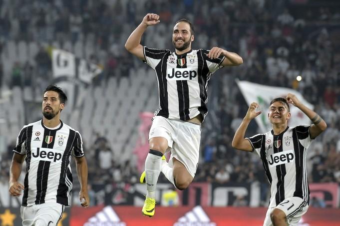 Sami Khedira, Gonzalo Higuain and Paulo Dybala - Juventus (Insidefoto)