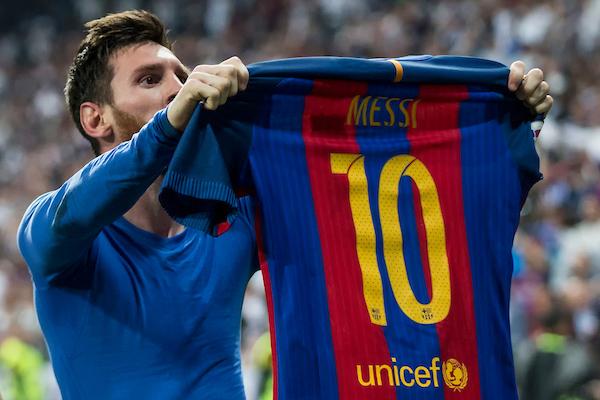 Leo Messi celebrates after scoring the winning goal against Real Madrid Foto Alterphotos / Insidefoto