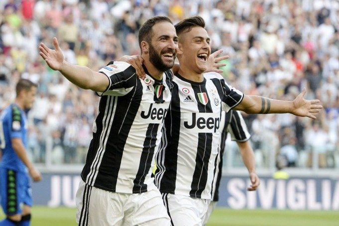 Gonzalo Higuain Juventus Goal Celebration Paulo Dybala Juventus Stadium