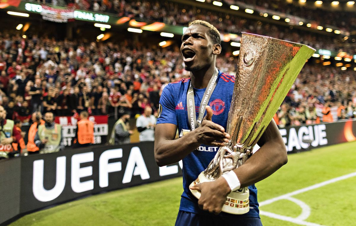 Paul Pogba with the Europa League trophy (Photo: Moritz Muller/Imago/Insidefoto)
